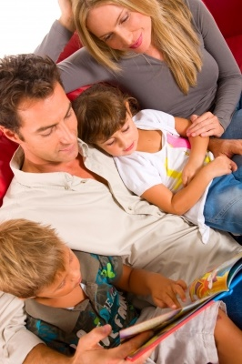 National Family Literacy Day, benefits of reading aloud to children